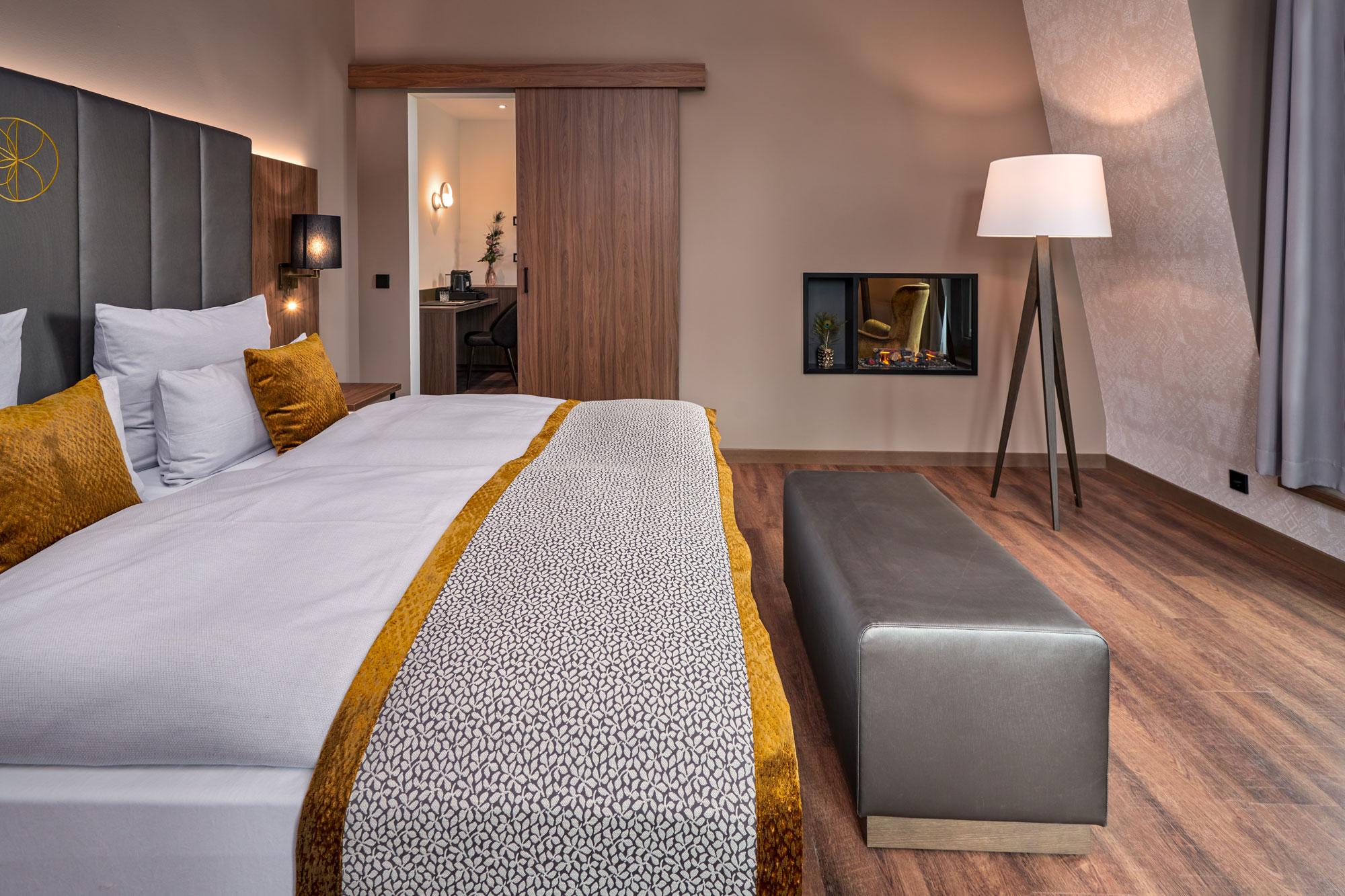Karls Hotel Sigmaringen Suite Bed
