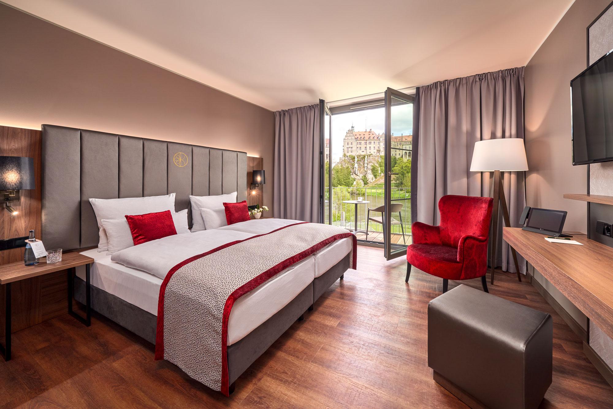 Karls Hotel Sigmaringen Superior Room Bed